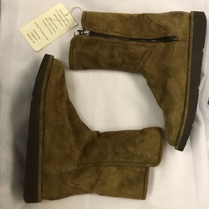 BOGO FREE⚡️tan Ugg Abree brand new never worn